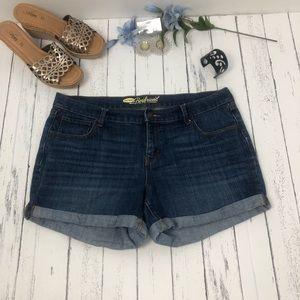 Old Navy Boyfriend Style Jean Shorts Size 12